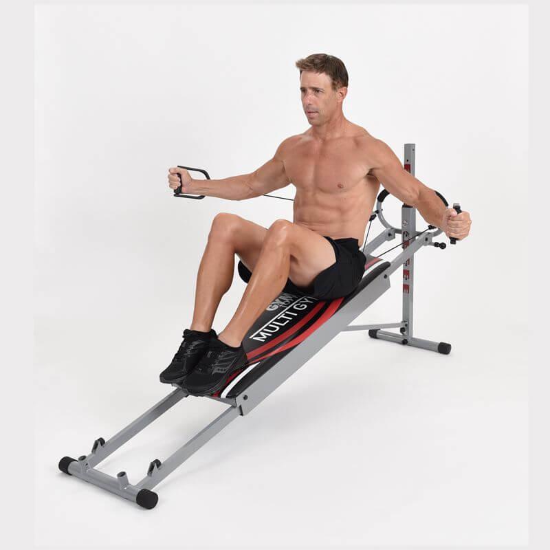 Man maakt gebruik van de Gymform Multi Gym